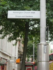 Smart, simplified street sign - Kensington