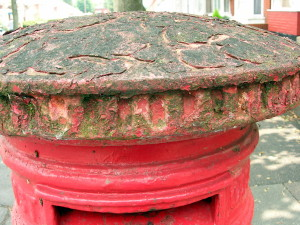Post Box - neglected - outside 166 The Avenue-1